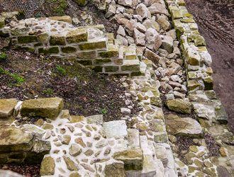 Sanierung_u_Verlegung_von_Bruchsteinmauern
